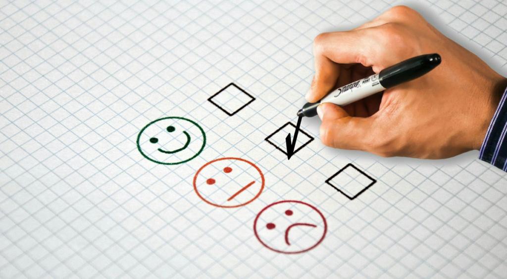 6 motivos da infidelidade do seu cliente com sua empresa local Marketing Digital Vendas como-fidelizar-clientes-pequena-empresa-cliente-feliz-1024x565